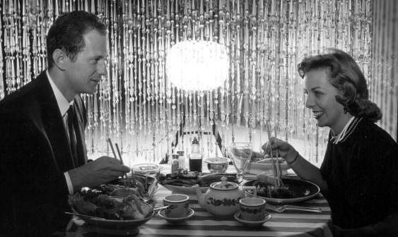 communicating-at-dinner